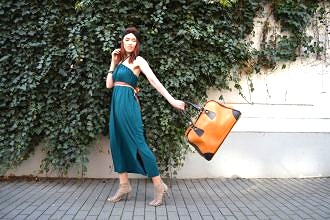 Variabilné šaty na cestovanie a pre minimalistky vyrobené v Českej republike