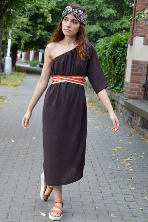 Brown variable dress with only one sleeve while other sleeve is hidden inside.