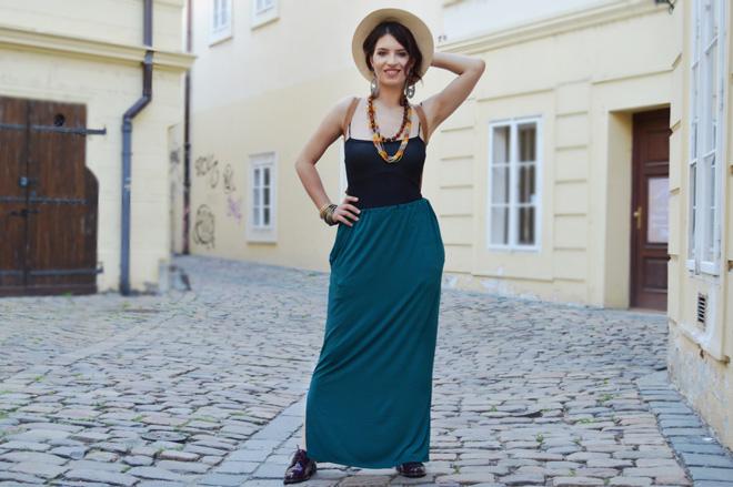 Multifunkčné sukňa, z ktorej je možné vytvoriť 3 typy šiat. Slovenská slow fashion.