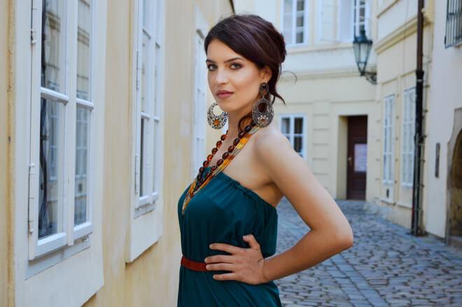 Zelené šaty bez ramínek Praha