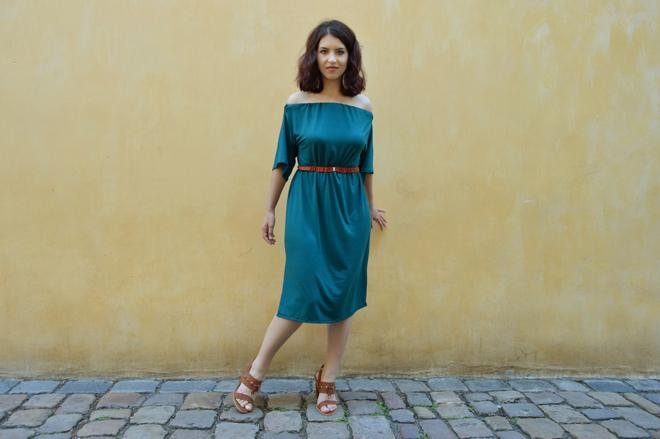 Variabilné šaty, ktoré je možné obliecť na 5 spôsobov.