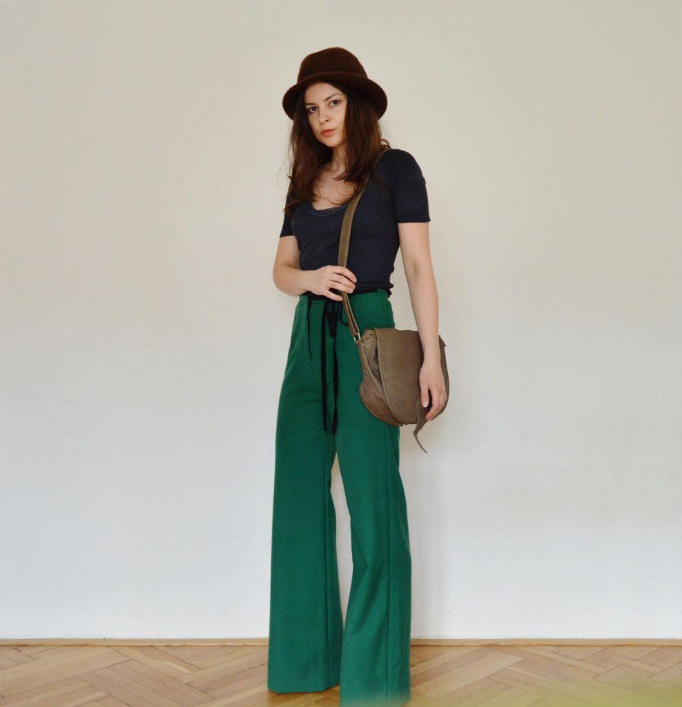 Slow fashion flare high-waist pants Prague