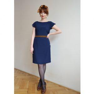 Ľahké modré šaty s hnedým pásom