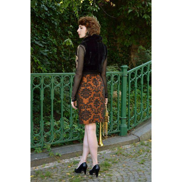 Elegantní tužková sukně po kolena