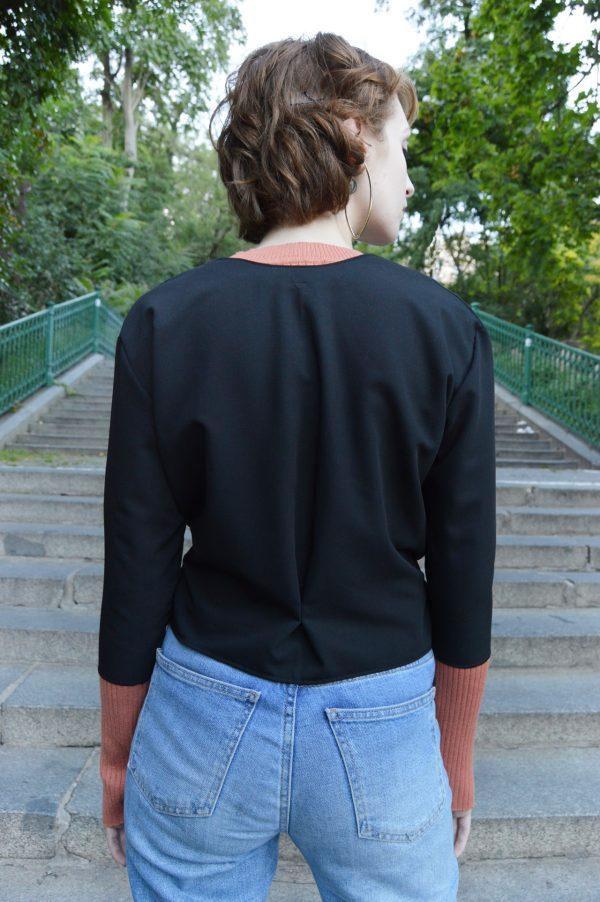 Krátke čierne bolerko / svetrík / blazer