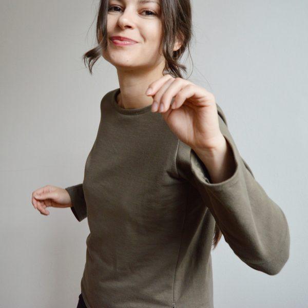 Basic zelené tričko s dlhým rukávom od slovenskej návrhárky