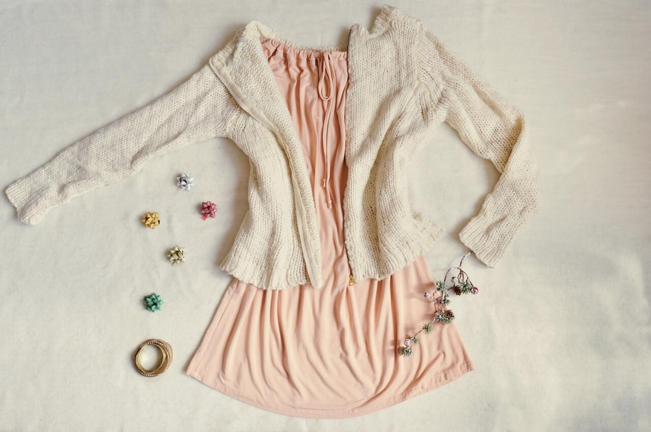 Svetlo ružové krátke slow fashion šaty s trojštvrťovým rukávom