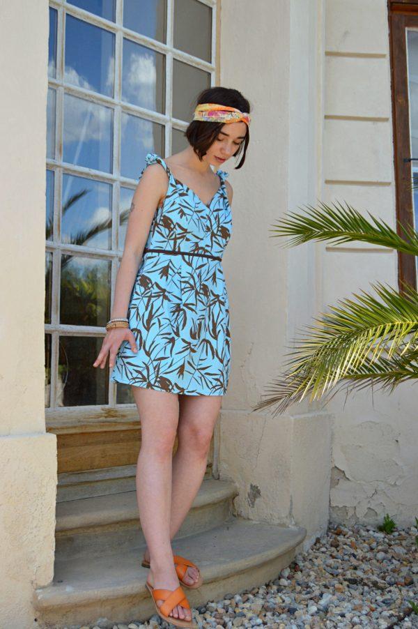 Letné havajské šaty s tropickým vzorom