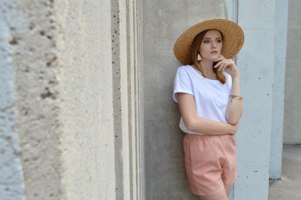 Elegantné růžové slow fashion šortky Praha