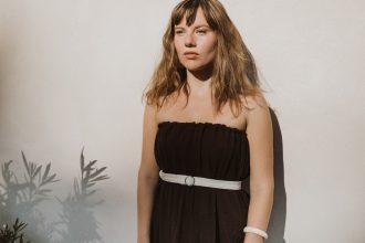 Hnedé multifunkčné slow fashion šaty bez ramienok
