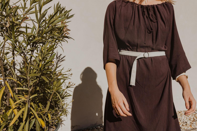 Letní slow fashion šaty s dlouhým rukávem