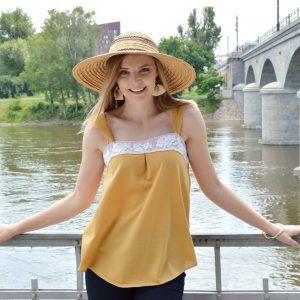 Žlutý letní slow fashion top vyrobený v České republice