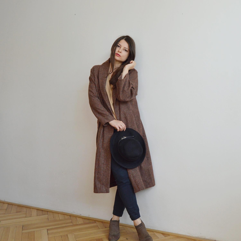 100% vlněný hnedý slow fashion kabát