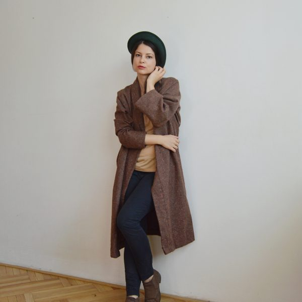 Hnědý kabát od české značky Praha
