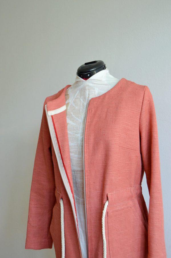 Upcyklovaná ružová bunda od slovenskej návrhárky