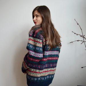 Farebný sveter s nórskym vzorom