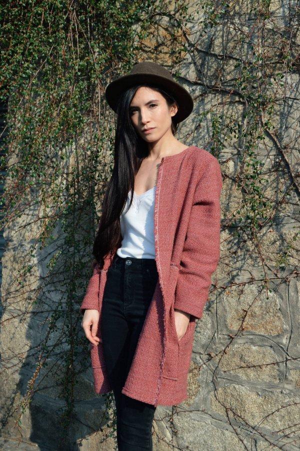 Lehký jarní růžový slow fashion kabátek Praha