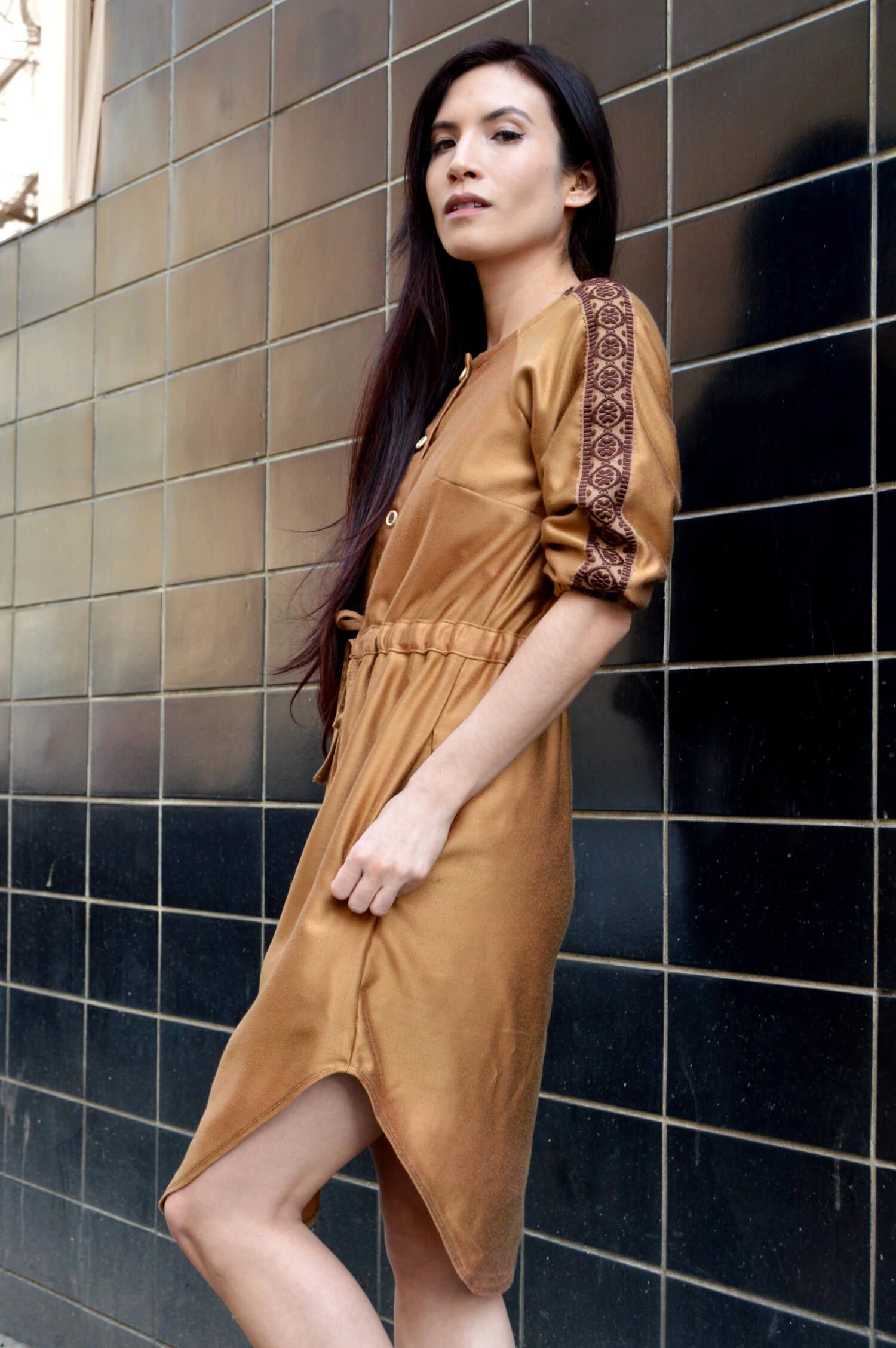 Jarní nebo podzimní škořicové handmade šaty