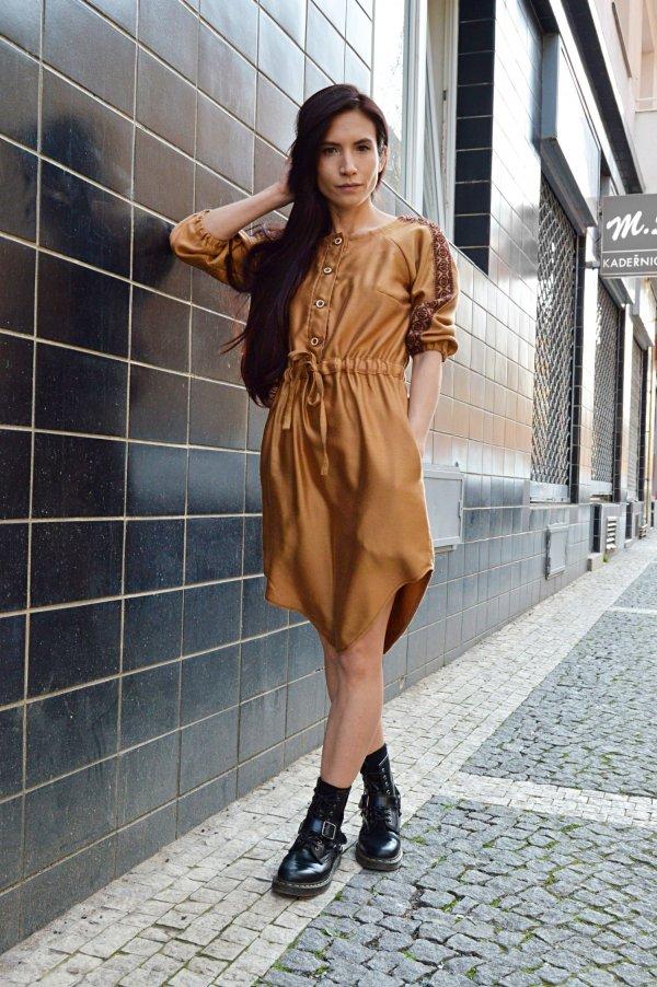 Škoricové boho slow fashion šaty od lokálnej značky