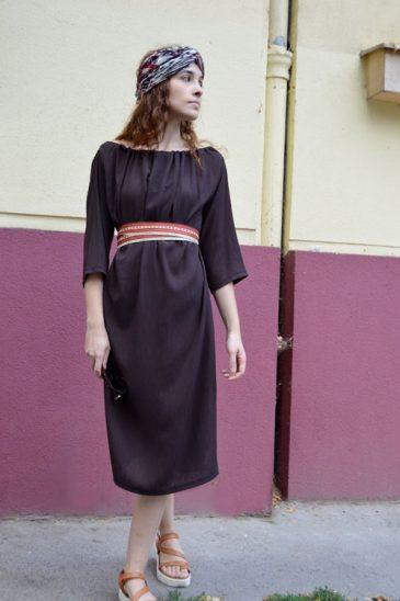 Hnědé multifunkční šaty s tříčtvrteční rukávy